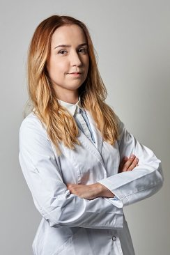 LEK-MED-PAULA-PIATEK-Neurochirurg-m