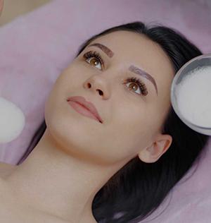 DERMATOLOGICZNY-RESURFACING-TWARZY-Kosmetologia-i-Medycyna-Estetyczna-SUPERMED
