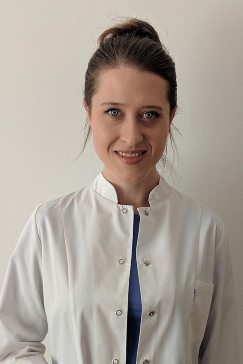 Justyna Latra-stoamatolog-krakow-supermed
